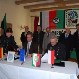Podpisanie umowy - 25.10.2010r. foto_2