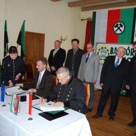 Podpisanie umowy - 25.10.2010r. foto_3