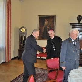 Spotkanie autorów 8 Pocztu Gwarków z Arcybiskupem Wiktorem Skworcem